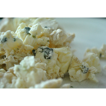 Crumbles Amish Blue Cheese