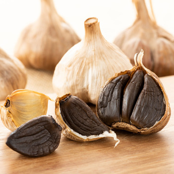 Black Garlic Peeled 1 lb